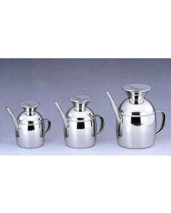 Borella oliera Olivia in acciaio inox disponibile in capacità 0,50 litri e 0,70 litri.